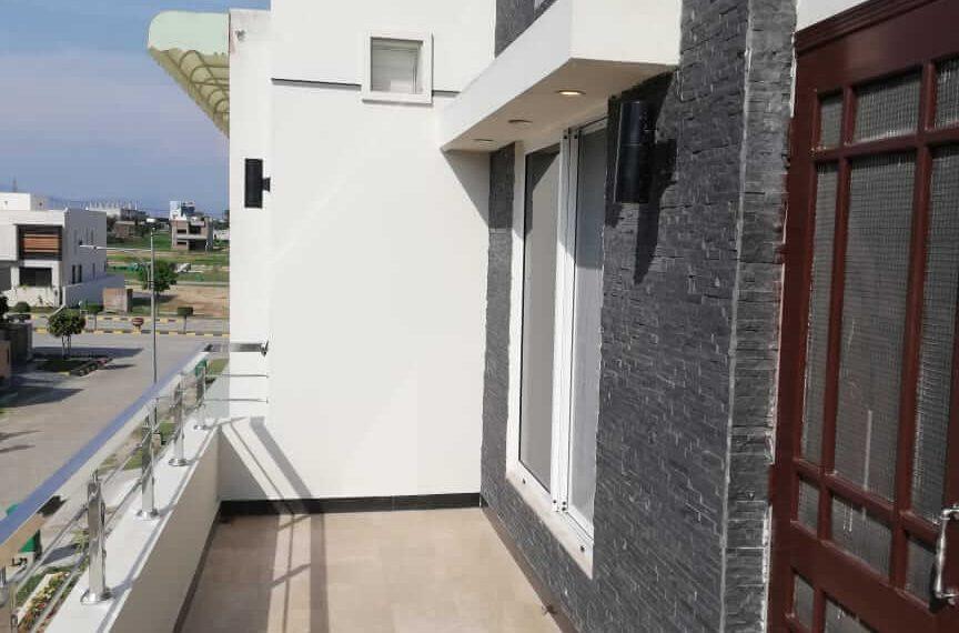 Balcony-8-Marla-House-F-18